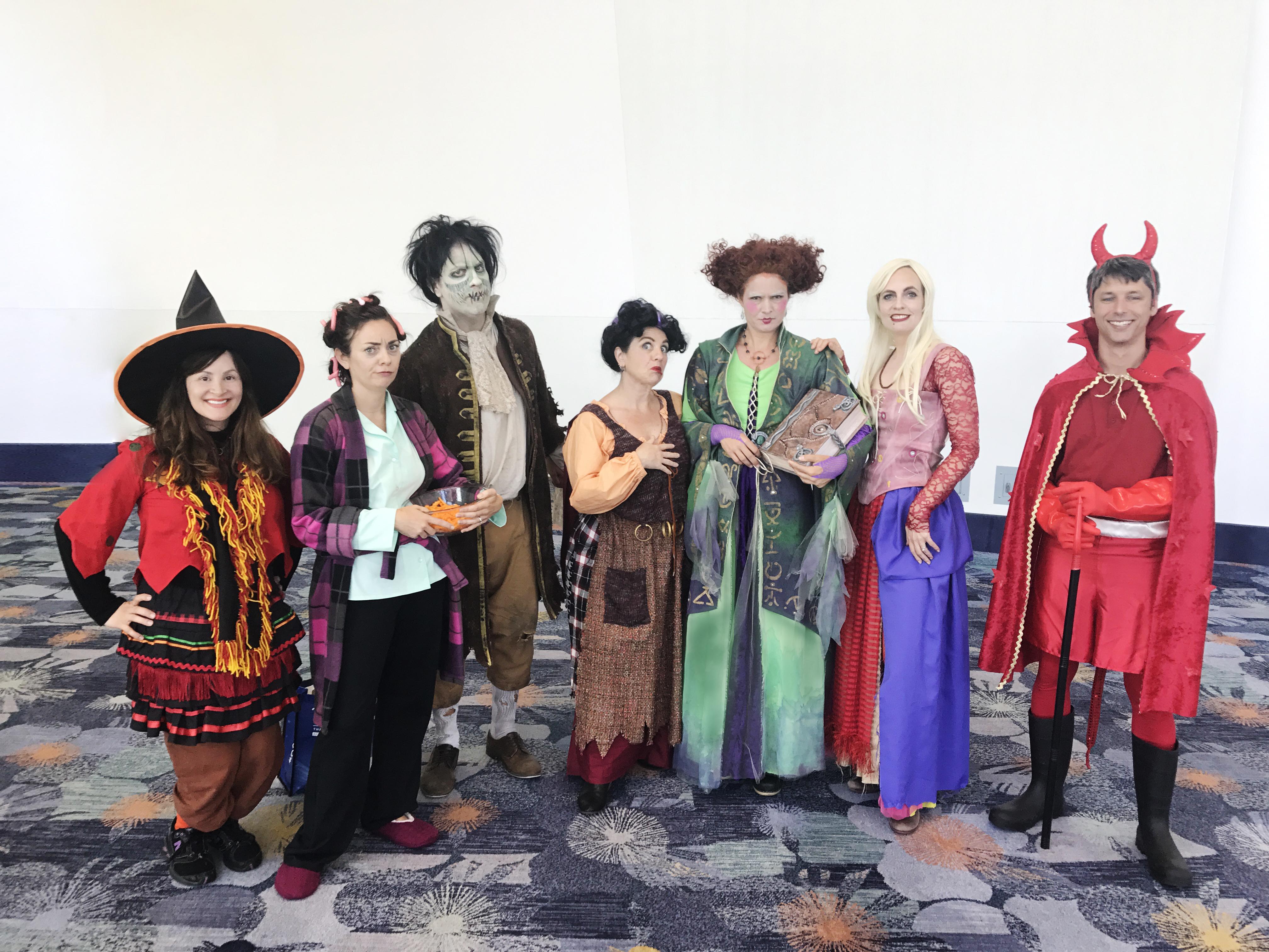 D23_Mousequerade__2017_hocus_pocus_costume.jpg