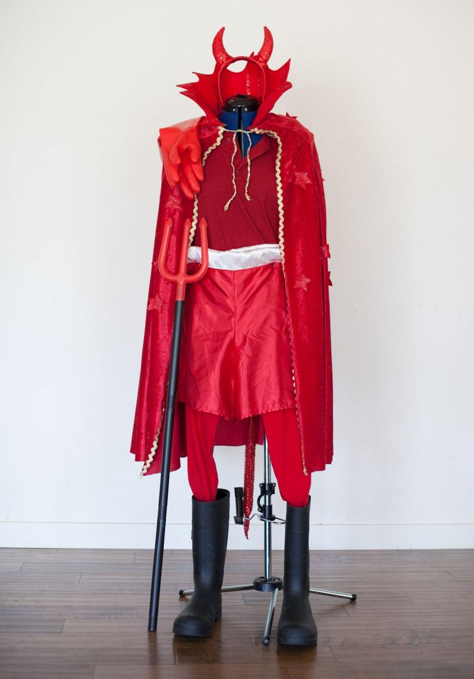 hocus_pocus_master_costume_2