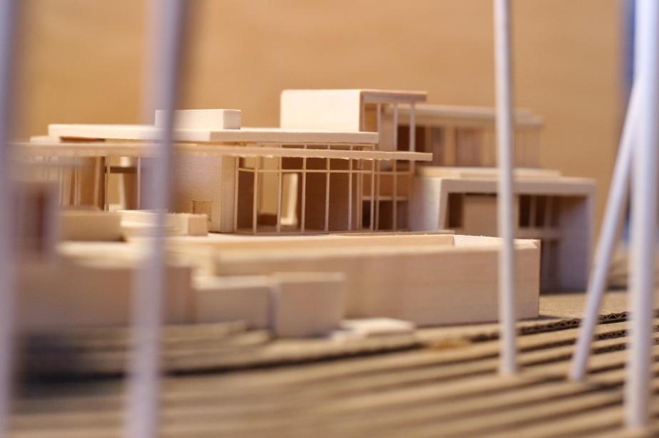 Marmol-Radziner-residential-model-2